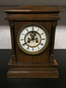 Vintage Collectable Wooden Mantel Clock - Untested - Spares Or Repairs