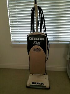 Oreck XL High Speed Upright Vacuum XL21 Hepa Hypo-Allergenic +Dozen Bags