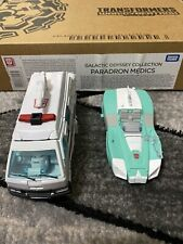 Transformers WFC: Earthrise - Paradron Medics Amazon Exclusive Set w/Packaging