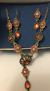 """Avon Spice Colored """"Y"""" Necklaces  And Earrings Gift Set"""