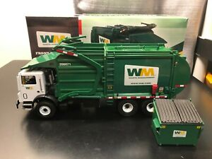 First Gear #19-2924 Waste Management Front End Loader - 1:34 - Die Cast Boxed!!!