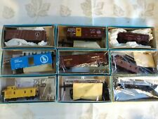ATHEARN BLUE BOX LOT OF 9 HO SCALE FREIGHT CAR KITS TANK CARS CABOOSE BOX CARS