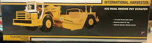 First Gear 1/25 IH International Harvester 433 Dual Engine Pay Scraper 70-0180