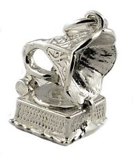 STERLING SILVER MOVABLE VINTAGE GRAMAPHONE CHARM