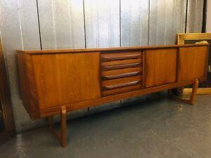 Elliots of Newbury Teak Vintage Retro Mid Century Danish Design Sideboard M4182