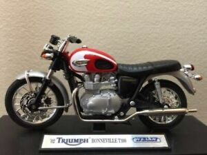 TRIUMPH BONNEVILLE T100 Motorcycle 1/18 Diecast Welly Model New SEALED BOXED