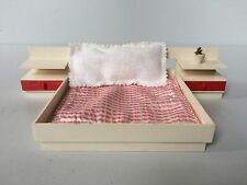 Puppenmöbel Crailsheimer Doppelbett Kunststoff mit Bezug Kissen + Pflanze