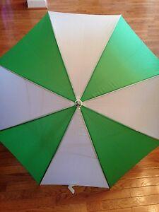 NEW Large Oversized Windproof Water Repellent Rain Umbrella Green White