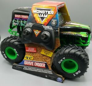 Monster Jam Grave Digger Remote Control Truck 1:15 Scale 2.4GHz Kids Toy Black