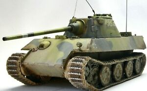Sd.Kfz.171 Panther F German Tank 1/35 Dragon Professionally built scale model