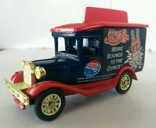 GOLDEN WHEEL PEPSI COLA DELIVERY TRUCK DIECAST 1:64 MORE BOUNCE TO THE OUNCE!