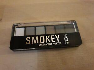 uma Cosmetics Eyeshadow Palette smokey
