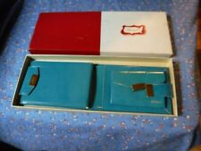 NIB Vintage Heritage Ladies Wallet in Original Box (Some Box Wear)