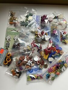 LARGE Lot Plastic NOVELTY BUTTONS Flowers Rabbits Fall Halloween Dogs Baby