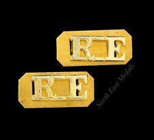 Pair of RE Royal Engineers Staybrite Shoulder Title Badges 'R.E.'