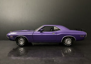 1970 Dodge Challenger R/T Plum Purple Greenlight 1:18 HTF