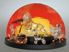 Swarovski disney Lion king Set Mufasa Pumbaa , Simba , Timon , Tittleplaq. Displ