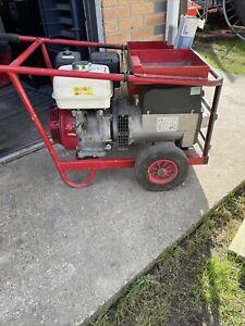 Harrington Honda Welder Generator 200A DC Welding Unit with 110v/240v outlets.