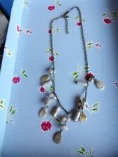 PRETTY, DELICATE NATURAL SHADES DROPPER CHARM NECKLACE WITH BRASS CHAIN 76-115