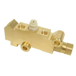 Summit Racing 4 Wheel Disc Brake Proportioning Valve w/ 3 Outlets SUM-760185