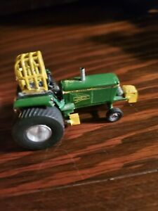 1/64 John Deere 4440 Pulling Tractor