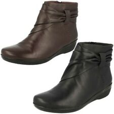 Ladies Clarks Rouched Band Inside Zip Leather Ankle Boots Everlay Mandy