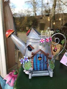 Elfenhaus Fairy Kingdom Pinkes Gießkanne Haus Metall Neuheit