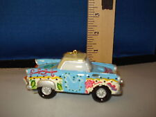 Car Ornament 1950s Car with Dove on Door resin 5001304 183