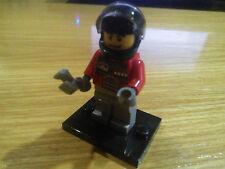 LEGO Minifigures Pilota Exo-Force Torso Rosso Armatura Grigio Scuro con 4 Stelle