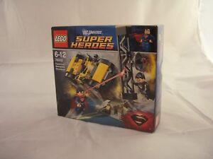 LEGO 76002 DC Universe Superman Metropolis Showdown New/Sealed