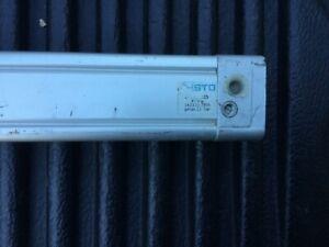 Festo DNU-32-125-PPV-A Pneumatic Cylinder 14131 12bar / 175psi Good Used