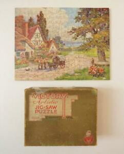 """VICTORY GOLD BOX WOODEN JIGSAW - 200pc - """"A Peaceful Village"""" - 12 Whimsies"""