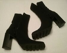 DONALD J. PLINER BLACK MICROFIBER & LEATHER SQUARE CHUNKY HEEL ANKLE BOOTS sz.7