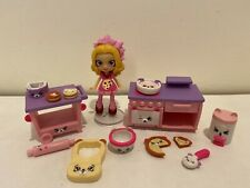 Shopkins Happy Places Beary Delicious Cooking Class w/ Coco Cookie Lil Shoppie