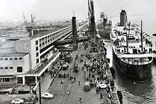 """21803 AK Bremerhaven Dock T.S. """"Bremen"""" Columbus-Pier Fahrzeuge Personen um 1965"""
