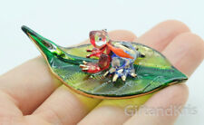 Figurine Animal Hand Blown Glass Frog on Leaf Gold Trim - GNFR024