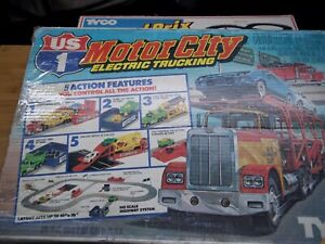 Vintage 1983 TYCO US-1 Motor City Electric Trucking Ho Scale incomplete