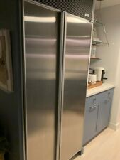 Sub-zero Side-by-Side Refrigerator