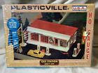 Vintage HO Scale Plasticville Gas Station #2807 Building Kit NISB (cb)