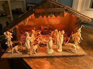 Nativity Scene Wooden Hand Made Christmas 14 Piece Light Early 20thC Italy NICE!