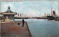 POSTCARD   HAMPSHIRE   SOUTHAMPTON   The  Empress   Dock