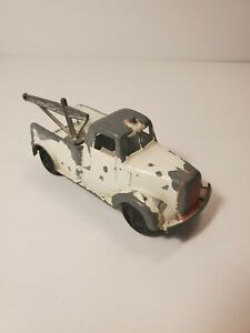 """Vintage Tootsie Toy Diecast Tow Truck White and Red USA 4.5""""Faded Paint"""