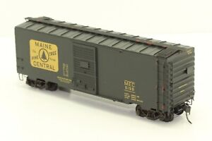 "1/87 HO Scale Intermountain ""Maine Central"" 40' Boxcar."