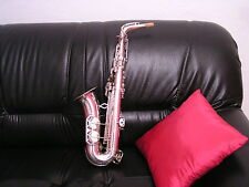 Saxophone  Alto Universal Paris....made in France ..:,à vos offres