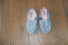 Girls Blue flowery Canvas Shoes size 8 TU