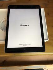 iPad 6th Gen. 32GB, Wi-Fi, 9.7in - Silver Excellent Condition!