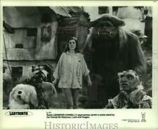 """1986 Press Photo Actress Jennifer Connelly in """"Labyrinth"""" movie with puppets"""