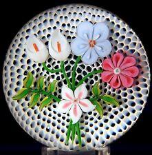 Beautiful BACCARAT Art Glass FLOWER BOUQUET on HONEYCOMB Ground PAPERWEIGHT