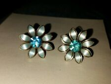 Vintage Prestige Screwback Earrings Blue Flowers