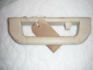 Range Rover vogue  L322 Cream Inner Roof Grab Handle   drivers side rear